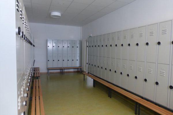 umkleidekabine-holz-3